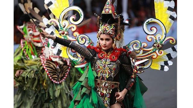 Jember Fashion Carnaval Exhibition Usung Tema Tribal Grandeur
