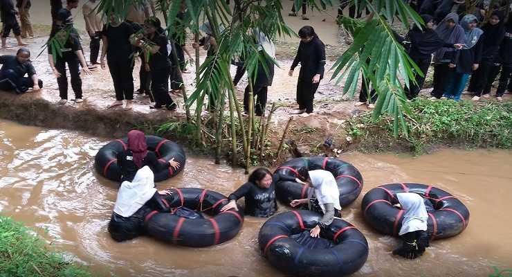 Kampung Bamboo - 5 Tempat Outbound di Bandung Rekomendasi Dyakarra